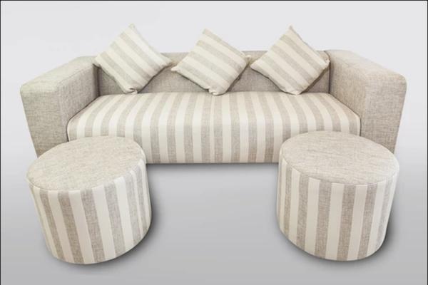 Sử dụng bộ bàn ghế sofa cho phòng khách nhỏ có công dụng đa năng