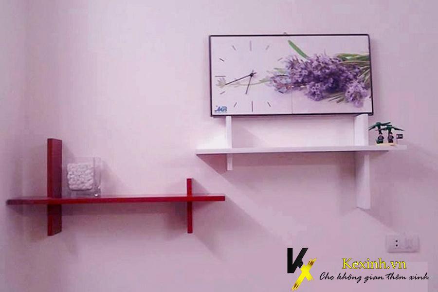 Kệ gỗ trang trí phòng ngủ