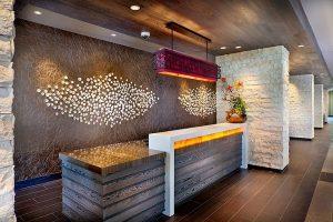 TOP 5 mẫu quầy lễ tân nhà hàng đẹp và sang trọng thu hút khách