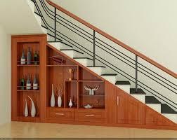 Kệ trang trí cầu thang đẹp cho phòng khách ấn tượng hơn